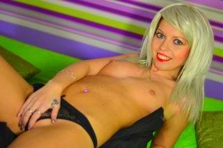 SexyDaisy18 ist bvei den Amateur Sexshows immer nackt